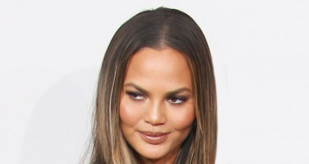 A Grammy Debut of Chrissy Teigen's New Look