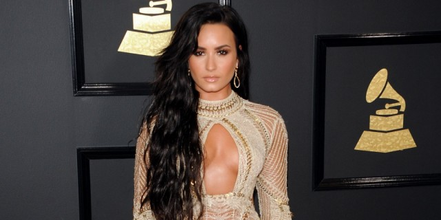 Demi Lovato Ditches Her Long Locks!