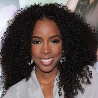 Kelly Rowland Follows This Big Spring Trend!