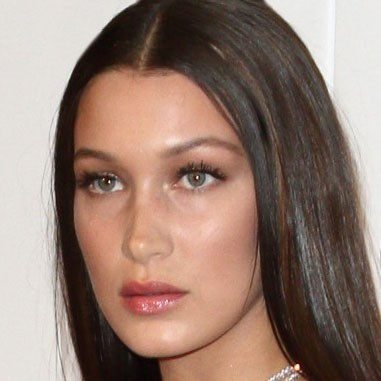 Bella-Hadid_Baby-Bangs_20170531-165438_1