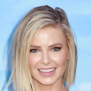 The Best Celebrity Bobs in 2017!