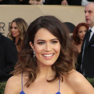 Mandy Moore Looks Like This Now!