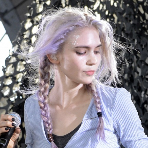 Grimes Owns Pastel Hair Color