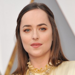 Is Dakota Johnson Sporting the Right Hairstyle for Her Face Shape and Forehead? Our Analysis…