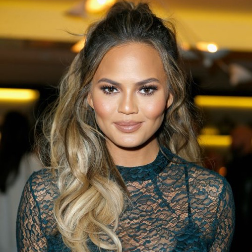 Chrissy Teigen Goes for the Big Chop!